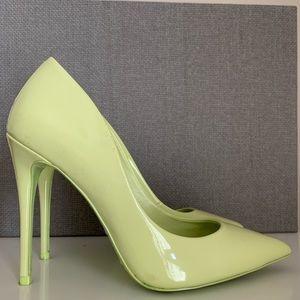ALDO neon green heels. US Size 6.